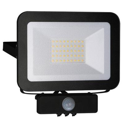 Levné LED halogeny (reflektory): LED nástěnný reflektor s čidlem, 30W, IP65, 4000K, neutrální bílá, černý