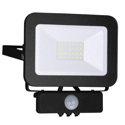 Levné LED halogeny (reflektory): LED nástěnný reflektor s čidlem, 20W, IP65, 4000K, neutrální bílá, černý