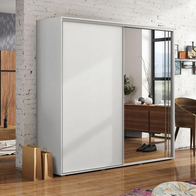 Levné Šatní skříně: Prostorná šatní skříň se zrcadlem HUGO, šířka 150 cm, výška 245 cm